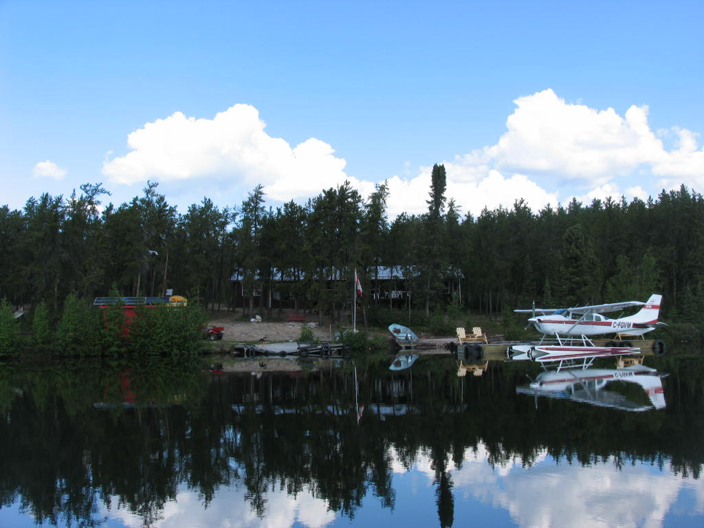 Pipestone Lake Lodge