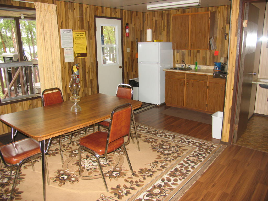 Pipestone Lake Lodge Suite